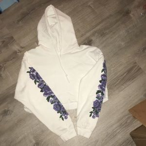 Flower sweater crop